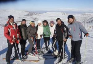 звёзды Кыргызской эстрады с экс-президентом Кыргызстана наши клиенты